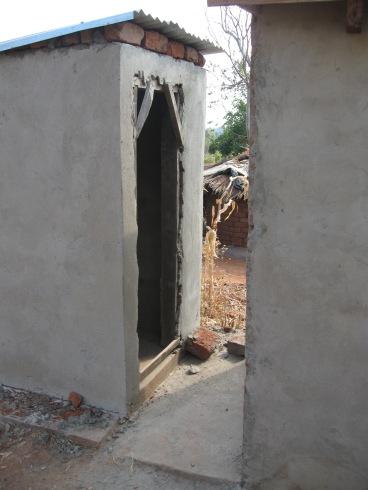 Example of communal toilet with no door